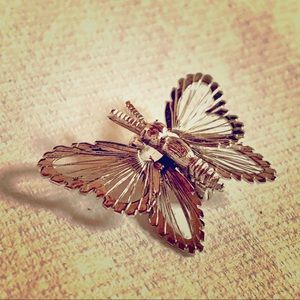 Vintage Monet 🦋butterfly pin